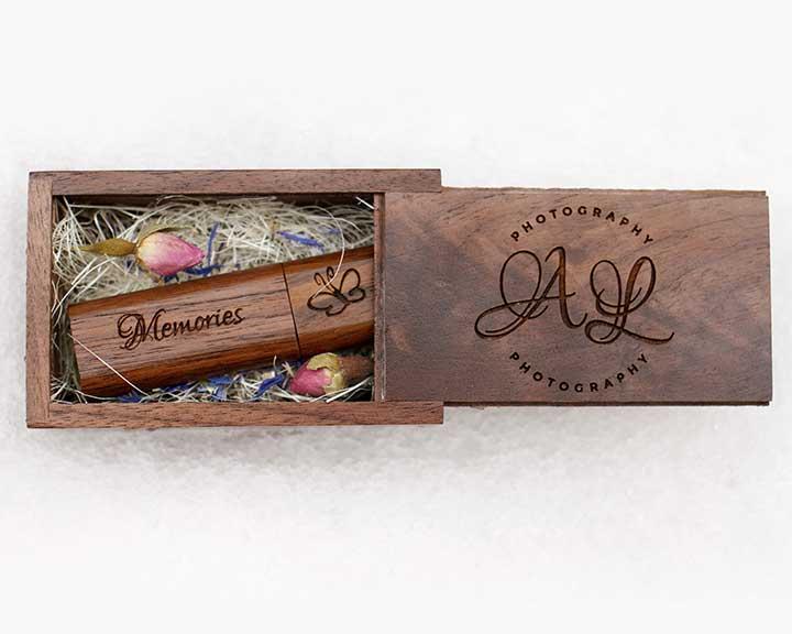 Large engraved keepsake box with credit card USB x10 6x4 prints