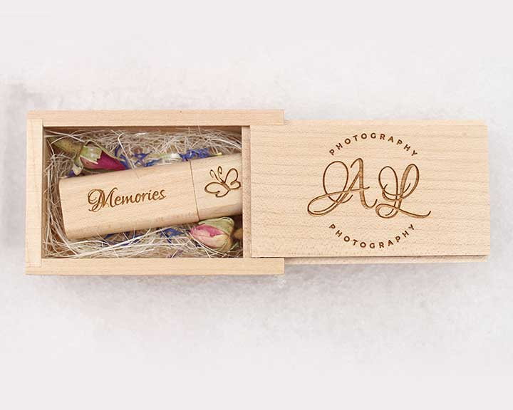 Large engraved keepsake box with credit card USB and x10 6x4 prints